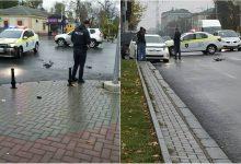 Photo of foto   Accident în centrul capitalei. Un automobil al Poliției și o Toyota s-au tamponat pe bd. Ștefan cel Mare și Sfânt