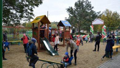 Photo of foto | Copiii din alte nouă sate din raionul Orhei se bucură de terenuri de joacă amenajate de Partidul Șor
