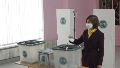 Photo of video   Maia Sandu a votat în aplauzele colegilor de partid. Îndemnul către funcționarii de stat și alegători
