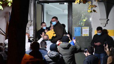 Photo of video | Renato Usatîi a mers s-o felicite pe Maia Sandu cu un buchet de trandafiri galbeni