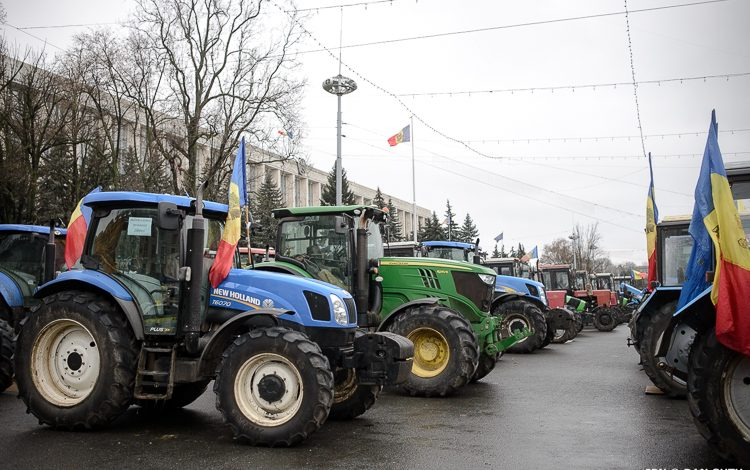 Photo of Se încheie protestele? Fermierii anunță că își retrag tractoarele din Piața Marii Adunări Naționale