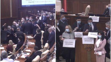Photo of video | Altercații în plenul Parlamentului: DA și PAS nu i-au permis vicepremierului Pușcuța să prezinte politicile bugetar-fiscale