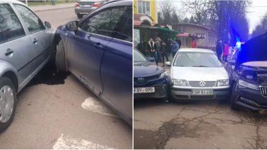 Photo of video | Cinci mașini, implicate într-un accident la Soroca. Vinovat s-ar face un preot beat care ar fi fost evacuat de la fața locului
