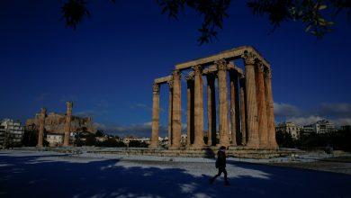 Photo of De la +28 la -20 de grade e doar o noapte! După ce s-au bronzat în ianuarie, locuitorii Greciei își pun căciulile și fularele