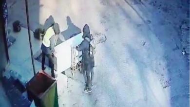 Photo of video | Câțiva tineri ar putea petrece patru ani în pușcărie după ce ar fi furat un frigider de 10.000 de lei și l-ar fi vândut cu 200