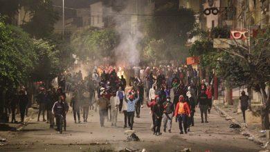 """Photo of """"Ne e foame!"""" Copii de 15 ani au fost arestați în Tunisia. Guvernul a scos armata în stradă împotriva revoluției tinerilor"""