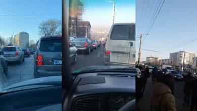 Photo of foto, video   Trafic infernal pe străzile capitalei. Mai mulți șoferi, nevoiți să petreacă dimineața în ambuteiaj