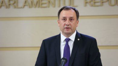 Photo of Două decizii în aceeași zi: După Jardan, și Ulanov rămâne fără imunitate parlamentară