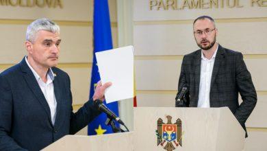 """Photo of De la """"frica de oameni"""" până la """"o să analizăm argumentele"""". Litvinenco și Slusari, despre eventuala stare de urgență"""