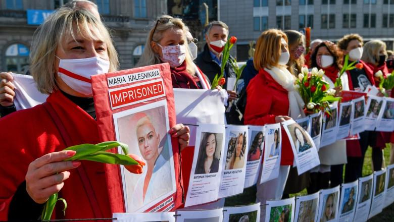 """Photo of """"Corpul ei, alegerea ei"""": Proteste în Polonia împotriva legii privind avortul. Sute de femei au ieșit în stradă"""