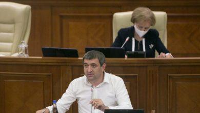Photo of Deputatul Lilian Carp: Sper că Petru Jardan nu este țap ispășitor în cazul concesionării Aeroportului Chișinău