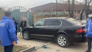 Photo of video | Vicepreședintele raionului Sîngerei, stropit cu verde de briliant de membrii partidului lui Cavcaliuc. Motivul acțiunii și reacțiile care au urmat