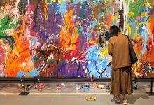 Photo of video | Voiau să se simtă artiști! Momentul în care doi tineri își lasă amprenta pe un tablou de 500.000 de dolari