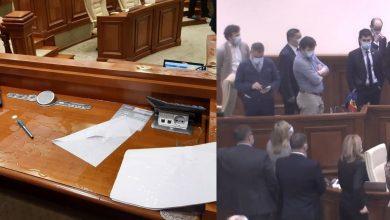Photo of video | Circa 15.000 de lei ar fi scos din buzunar deputații care au rupt microfoanele în plenul Parlamentului