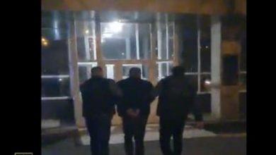 Photo of video | Un moldovean, anunțat în căutare internațională pentru trafic de copii și proxenetism, a fost extrădat din Cehia