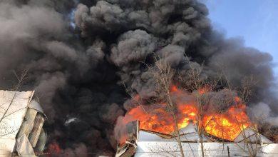 Photo of Pompierii au luptat cu flăcările aproape 24 de ore! Incendiul de pe Calea Basarabiei, lichidat joi dimineața