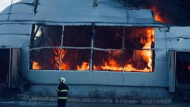 Photo of Focul nu mai obține răspândire! Incendiul de pe str. Calea Basarabiei a fost localizat