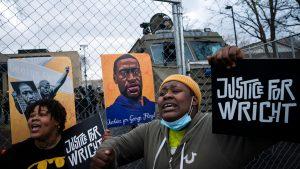 Moartea lui George Floyd: Încă trei poliţişti au fost inculpaţi pentru incident
