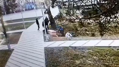 Photo of video | Un tânăr a murit în spital după ce a fost bătut la Nisporeni. Poliția a publicat imaginile cu agresiunea
