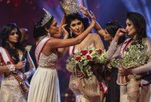 Photo of video | Moment tensionat la Miss Sri Lanka. Câștigătoarea, rănită pe scenă de o fostă deținătoare a titlului pe motiv că ar fi divorțată