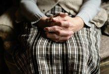 Photo of Tot mai multe cazuri de Parkinson la nivel mondial. Ce produse conțin substanța care ar declanșa boala?