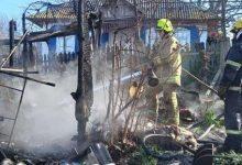 Photo of La un pas de tragedie! Pompierii au evacuat trei butelii de gaz dintr-o încăpere cuprinsă de flăcări