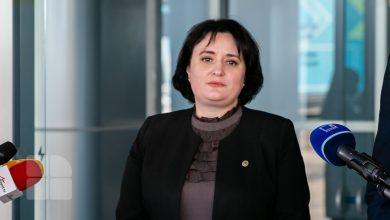 Photo of Viorica Dumbrăveanu, în continuare consiliera Zinaidei Greceanîi, chiar dacă face parte din partidul lui Ion Chicu