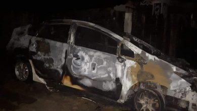 Photo of Hîncești: O mașină de taxi a ars în totalitate. La fața locului – polițiștii, pompierii și ambulanța