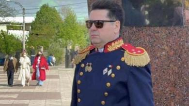 Photo of Socialistul Ştefan Gaţcan, cu epoleți de colonel, la parada din 9 mai