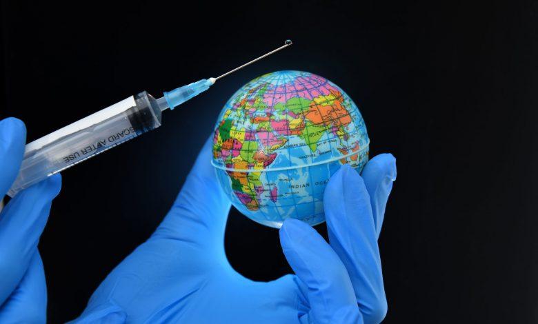 Photo of Pfizer, BioNTech şi Moderna vor câştiga miliarde de dolari de pe urma rapelurilor vaccinurilor împotriva COVID-19, susțin analiștii