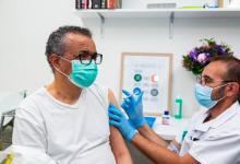 """Photo of Directorul OMS s-a vaccinat împotriva coronavirusului: """"Mi-a venit rândul"""""""