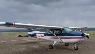 Photo of foto | Primele imagini de la locul unde un avion a aterizat forțat pe un lan de grâu la Horești. Pilotul a avut nevoie de ajutor medical