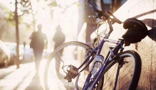 Photo of Printre mașini, bicicliștii devin vulnerabili! Regulile pe care trebuie să le respecte pentru a fi în siguranță