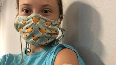 """Photo of Greta Thunberg s-a vaccinat anti-coronavirus: """"Nimeni nu este în siguranţă până când toată lumea nu este în siguranţă"""""""