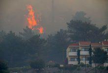 Photo of foto   Grecia: Mai multe hoteluri, evacuate de pe insula Samos din cauza unui incendiu puternic