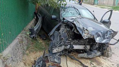Photo of Lexus, făcut zob în raionul Orhei. Șoferul a ajuns la spital după impact