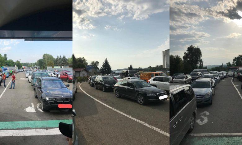 Photo of foto | Moldovenii pleacă în vacanțe sau revin acasă: La trei puncte de trecere a hotarului se formează ambuteiaje