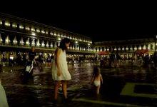 Photo of video, foto | Veneția a fost inundată, fenomen rar pentru august. Turiștii au dansat prin apă