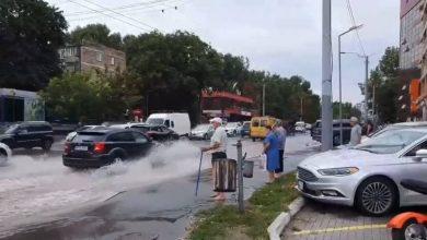 Photo of video, foto   Chișinăul, brăzdat de o ploaie torențială și rafale de vânt: Mai multe străzi au fost inundate