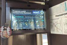 Photo of Capitala devine tot mai modernă? Un monitor care îți arată peste cât timp vin troleibuzele a fost instalat în centrul orașului