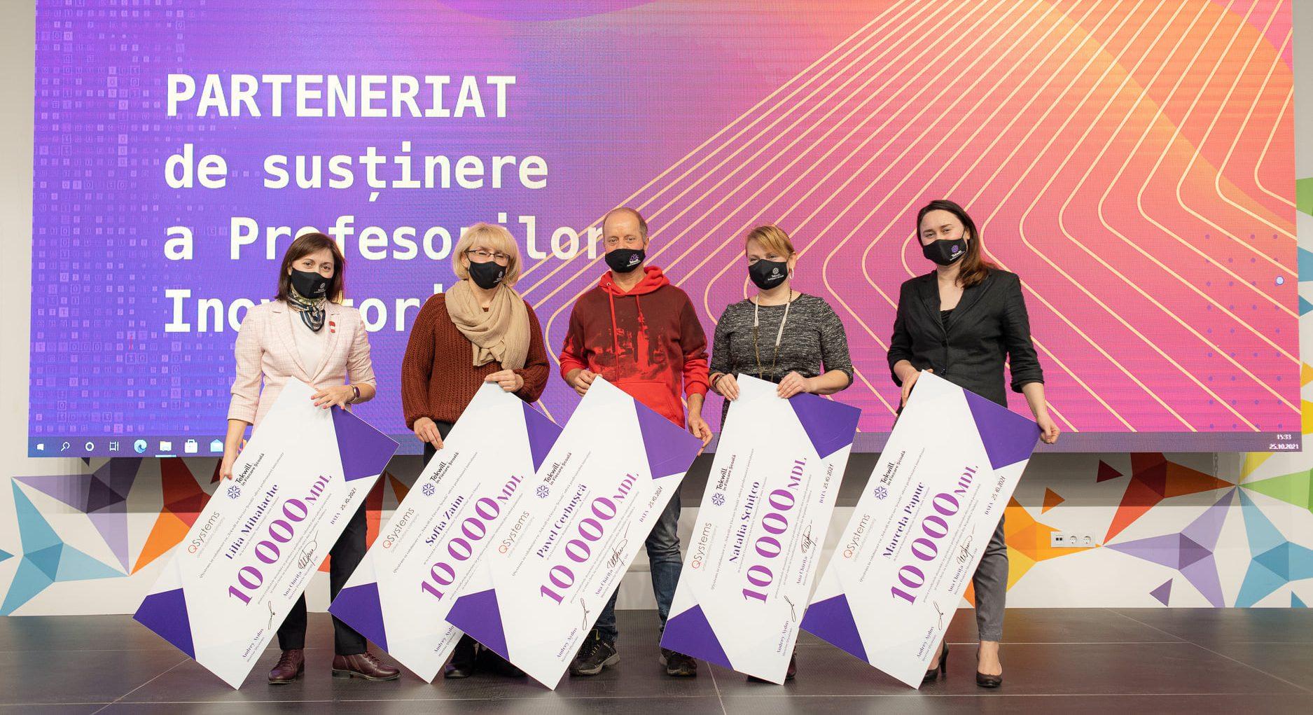 Photo of foto   Au susținut învățământul prin intermediul tehnologiilor. 21 de profesori inovatori, premiați cu câte 10.000 de lei