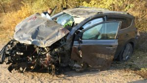 Un minor a decedat după ce a urcat la volanul unei mașini străine. În vehicul se afla și amicul său care consumase alcool